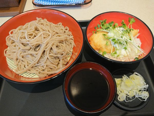 「ミニとり天タルタルソース丼セット(もり)580円」@名代 富士そば 志木店の写真