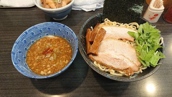 「正油つけ麺(中) 900円 + チャーシュー丼 300円」@ラーメンつけ麺 奔放の写真