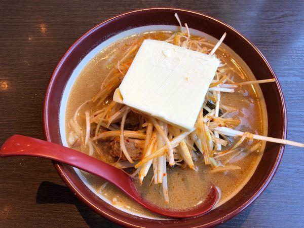 「沖縄味噌肉ネギラーメンバタートッピング」@麺場 田所商店 相模原店の写真