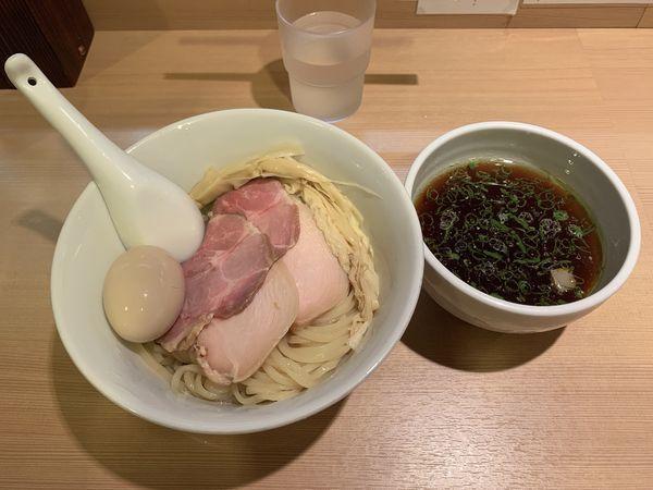 「醤油つけ麺」@らぁ麺 はやし田 新宿本店の写真