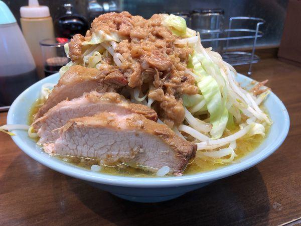 「中ラーメン」@立川マシマシ OGKB店の写真