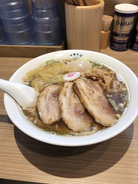 「特製中華そば 白(手揉み麺)」@中華そば 六感堂の写真