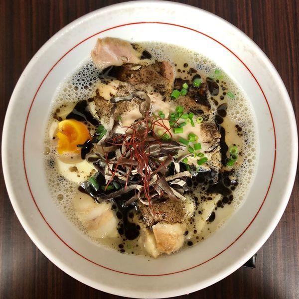 「特製拉麺 黒 (850円)」@拉麺 べっぷんちの写真