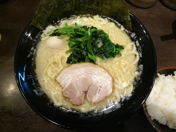 「塩ラーメン大(かため、薄味、多め)」@横浜家系ラーメン 太田商店の写真