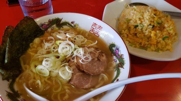 「醤油ラーメン+半チャーハン」@チャイナ食堂の写真