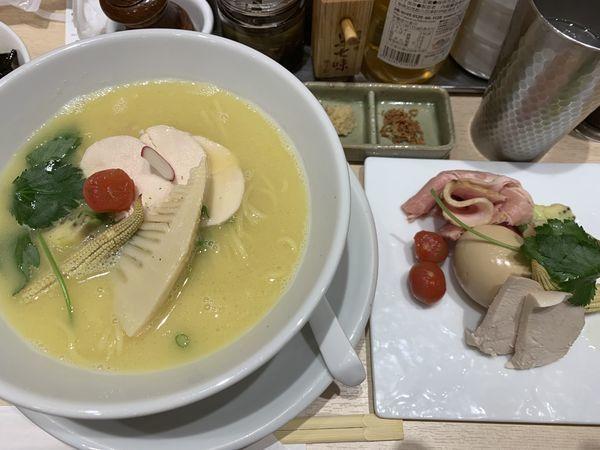 「鶏白湯SOBA  特製トッピング」@銀座 篝 Echika池袋店の写真
