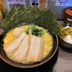 横浜家系ラーメン 壱楽家 日比野店の写真
