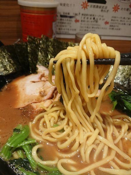 「チャーシュー王道麺と白米と海苔」@横浜家系らーめん 輝道家の写真