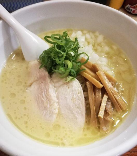 「鶏白湯らーめん、玉ねぎ」@らーめん れんげの写真