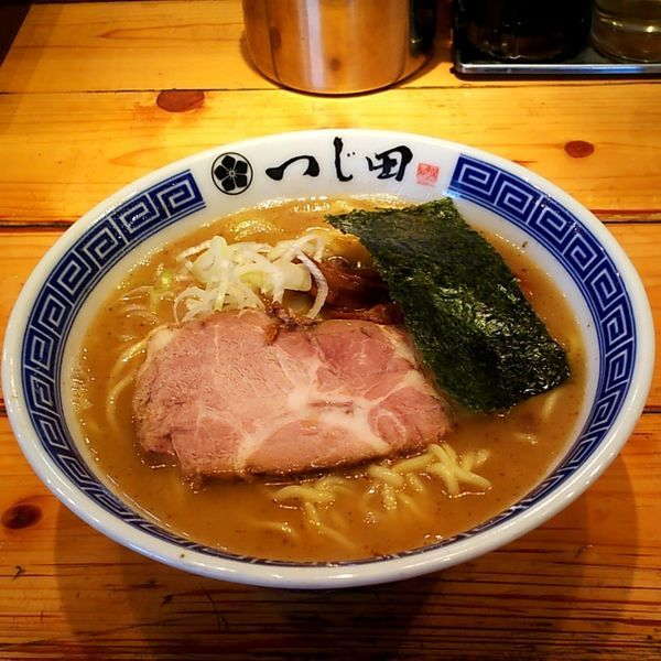 「濃厚らーめん」@つじ田 神田御茶ノ水店の写真