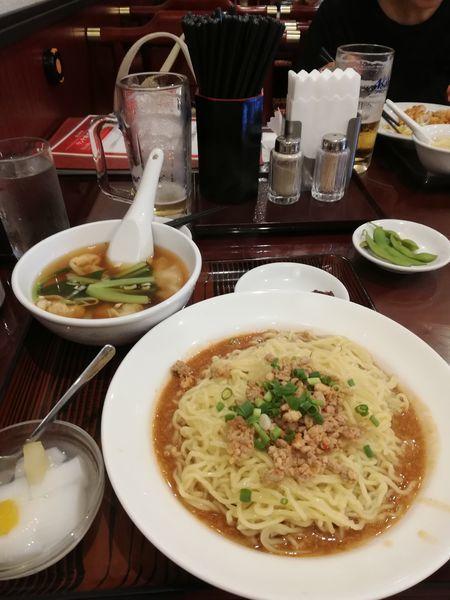 「混ぜ麺とワンタン 700円」@中華料理 美山飯店の写真