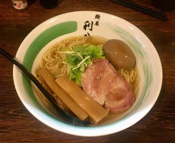 「カラスカレイらぁめん【限定】+味玉」@自家製麺 麺屋 利八の写真