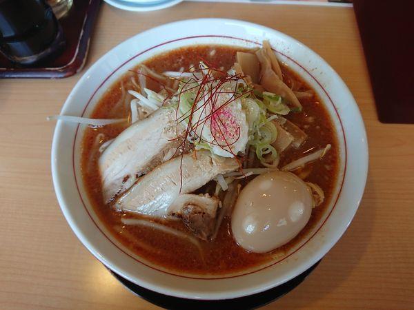 「入善ブラウンらーめん 820円」@中国麺飯店 王虎の写真