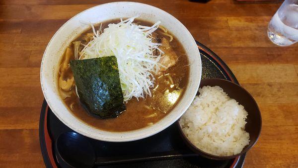 「中華そば 大(太麺・穂先メンマ・ネギ)ライス」@くりの木 加須店の写真