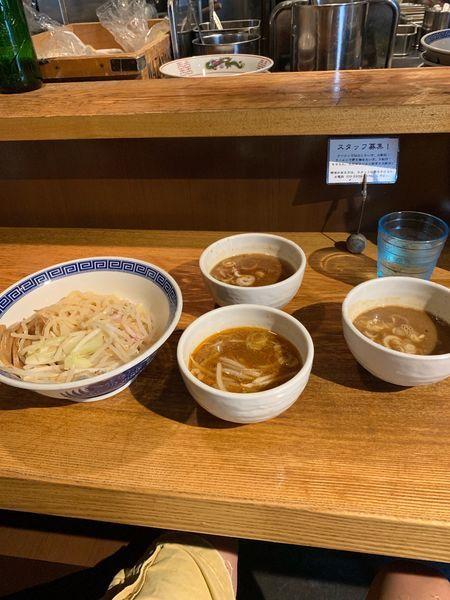 「2色つけ麺 海老醤油 辛味噌 濃厚醤油」@神保町 可以の写真