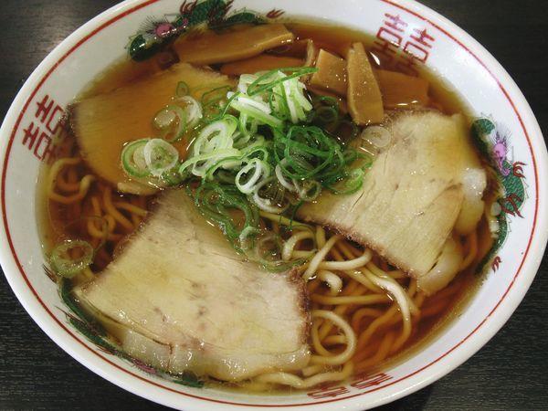 「醤油ラーメン(中)(600円)」@まるかいの写真