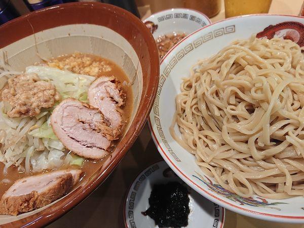 「つけ麺500㌘とアレ」@ラーメン豚山 中野店の写真