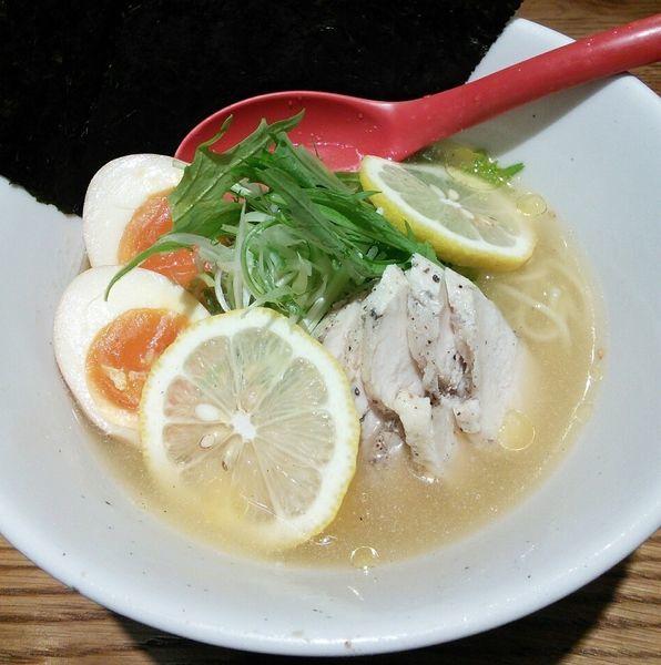 「【限定】冷やし塩レモンラーメン 1000円」@担担麺VS酸拉麺 武双の写真
