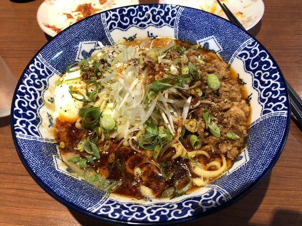 「汁なし坦々麺+ビール」@中華そば 虎桜の写真