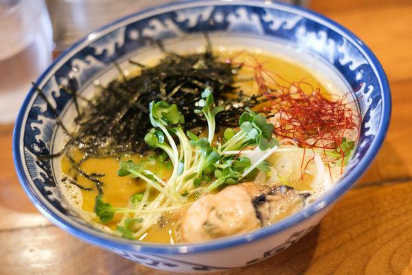 「牡蠣·らぁ麺」@麺や佐市の写真