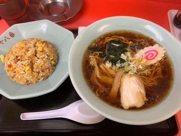 「ラーメン・半炒飯セット 800円」@中華料理 十八番の写真