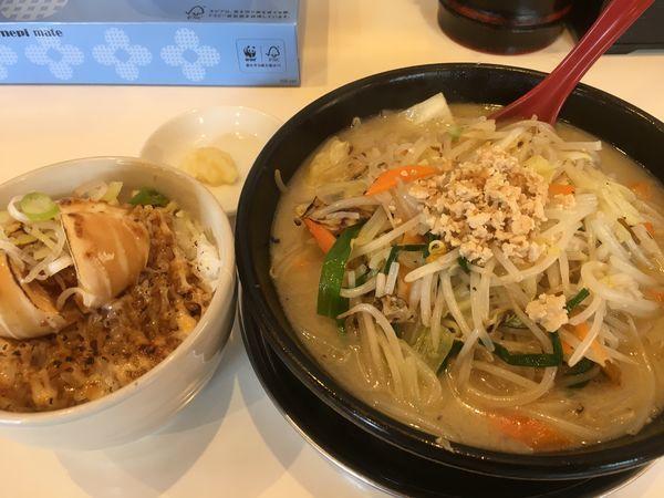 「濃厚鶏白湯タンメン(ニンニク)+たまご丼」@湘南タンメンの写真