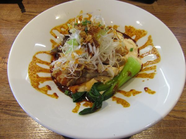 「限定 冷たい沙茶醬を使ったクリーミー担々麺 よだれ鷄のせ」@らー麺屋 バリバリジョニーの写真