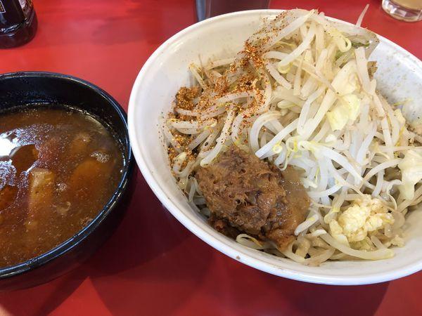 「辛いつけ麺、300g+国産トロトロ豚+黒烏龍茶」@麺屋 桐龍の写真