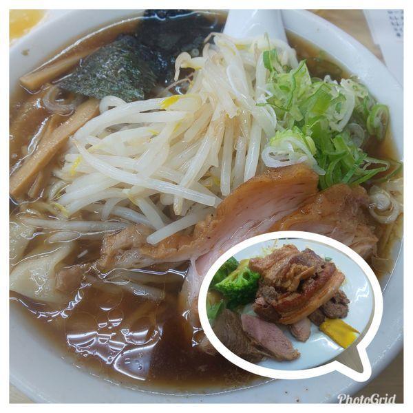 「ワンタンメン+チャーシュー盛り付け」@味の大西 本店の写真