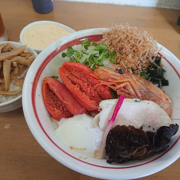 「限定 海老&明太子和え蕎麦B2000円、タルタル100円、半ライ」@MENYA 食い味の道有楽の写真