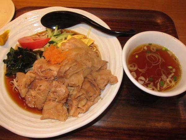 「肉冷し 880円」@麺処直久 新橋店の写真