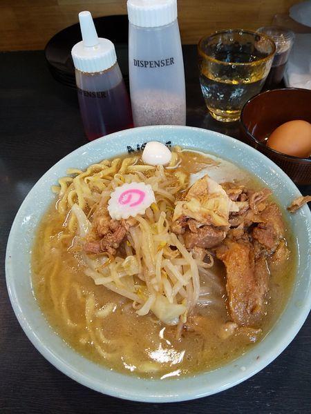 「ラーメン850円(麺半分・そのまま)生卵サービス」@自家製麺 No11の写真