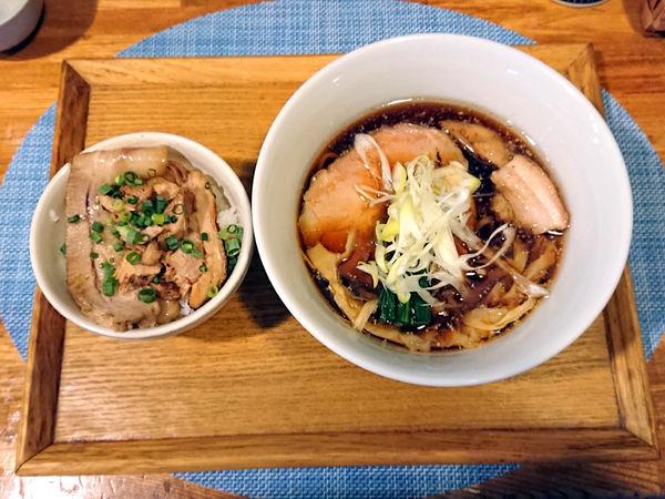 「限定 鶏豚清湯そば+ミニチャーシュー丼」@中華蕎麦 はざまの写真