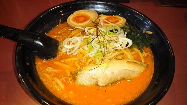 「鉄火麺+味付玉子」@北海道らーめん ひむろ 亀戸店の写真