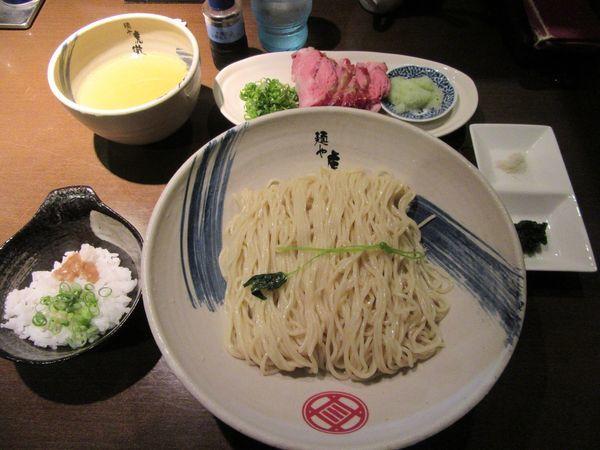 「限定 薬涼潮つけそば(900円)+大盛+釜焼きチャーシュー」@麺や 虎徹の写真
