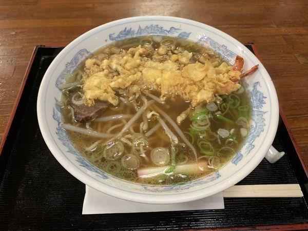 「天ぷら中華そば 730円」@志乃多や 八代店の写真