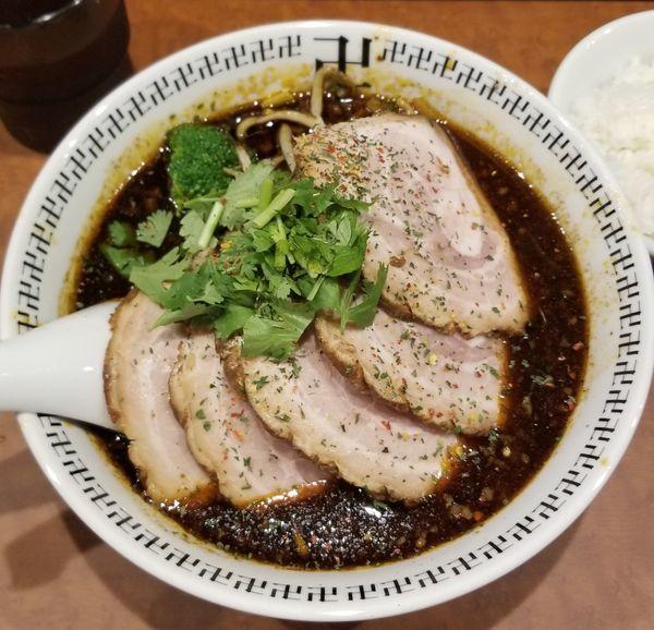 「スパイスチャーシュー麺」@スパイス・ラー麺 卍力 秋葉原店の写真