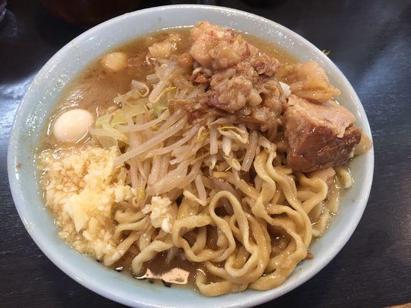 「ラーメン¥850(麺半分、ニンニク&チョイ脂)」@自家製麺 No11の写真