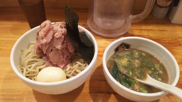 「特製濃厚つけ麺特盛」@真鯛らーめん 麺魚の写真