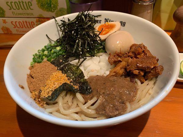 「油そば+味玉+刻み海苔+すだち」@麺Dining Number Nine 09の写真