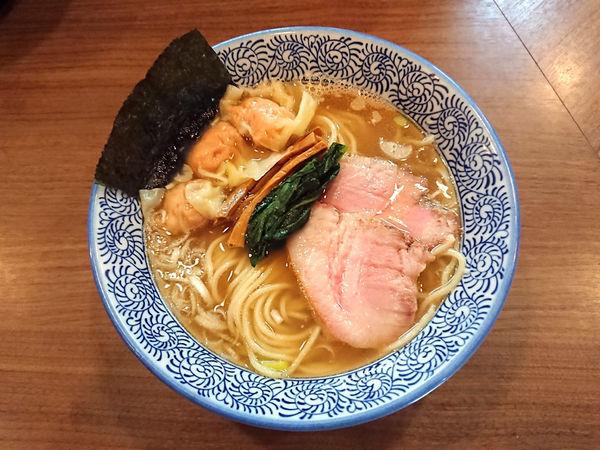 「生姜塩そば+ワンタン」@煮干しつけ麺 宮元の写真