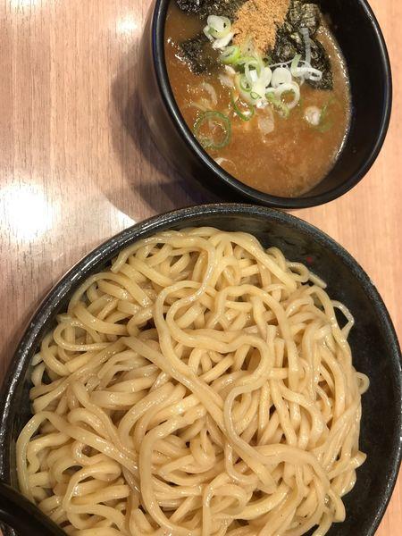 「超濃厚魚介豚骨つけ麺@810」@麺家 昴 新大阪店の写真