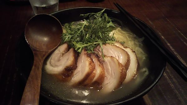 「塩チャーシュー麺」@横濱元町 塩らー麺 本丸亭 元町店の写真