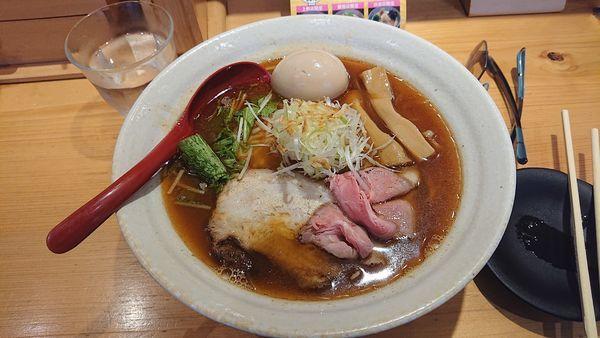 「味玉入り 焼きあご塩らー麺大盛り」@焼きあご塩らー麺 たかはし 上野店の写真