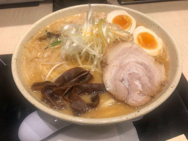 「味玉バリ味噌ラーメン」@つじ田 味噌の章 東京駅店の写真