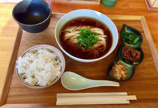 「朝ご飯〜有機栽培納豆セット〜」@自家製麺と定食 弦乃月の写真