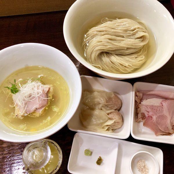 「とろとろ昆布だしのからませつけ麺 塩+ワンタン+チャーシュー」@らぁめん サンドの写真