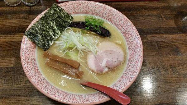 「濃厚鶏白湯らーめん 細麺」@らーめん詩の写真