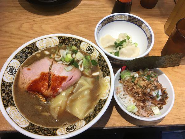 「すごい煮干しラーメンセット」@ラーメン凪 川口東口駅前店の写真