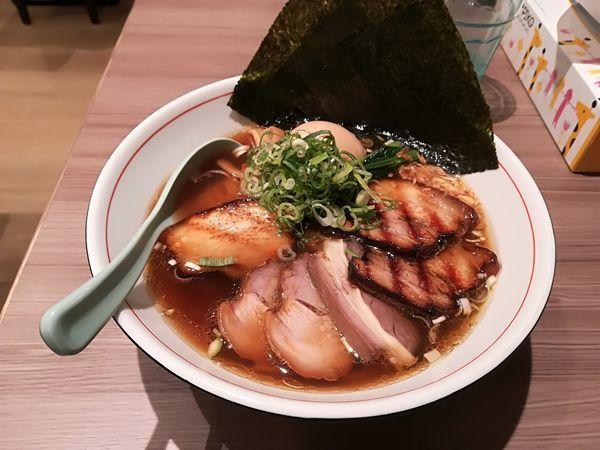 「8/27 全部のせ醤油ラーメン980円」@麺者 雄の写真